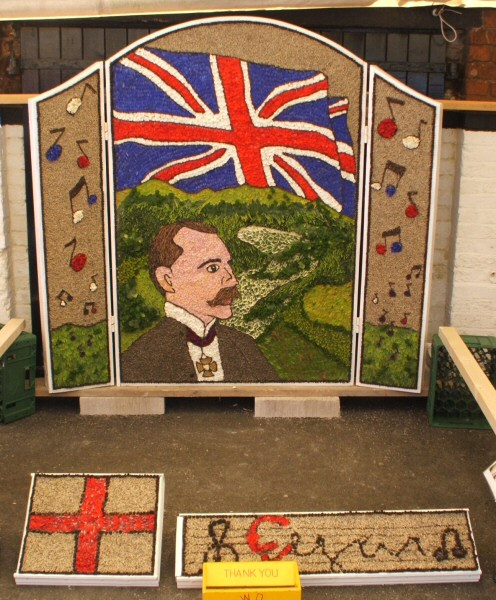 Etwall 2007 - Hawk & Buckle Inn Well Dressing