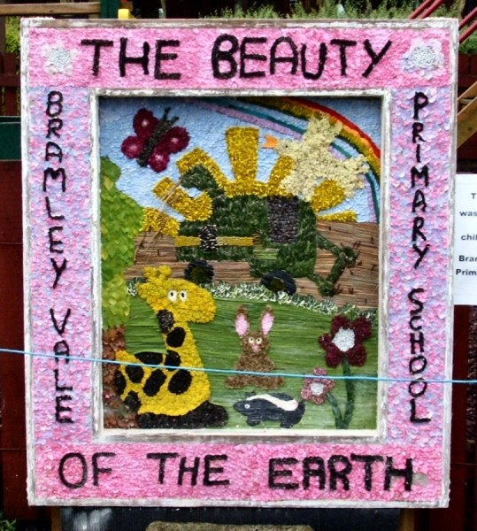 Glapwell 2007 - Bramley Vale Primary School Well Dressing