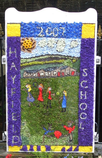 Hayfield 2007 - Hayfield Primary School Well Dressing