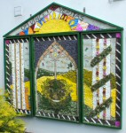 Bridge Centre Well Dressing