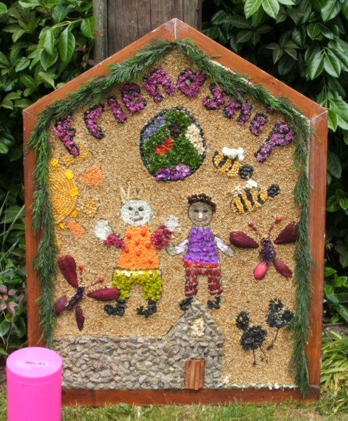 Wirksworth 2007 - Federation of Infants Schools Well Dressing
