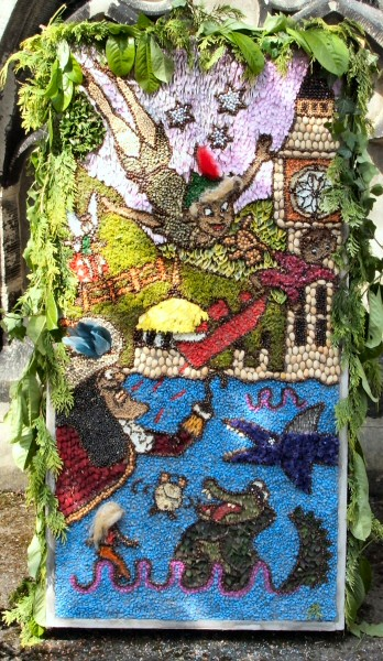 Horsley Woodhouse 2008 - Primary School Well Dressing (1)