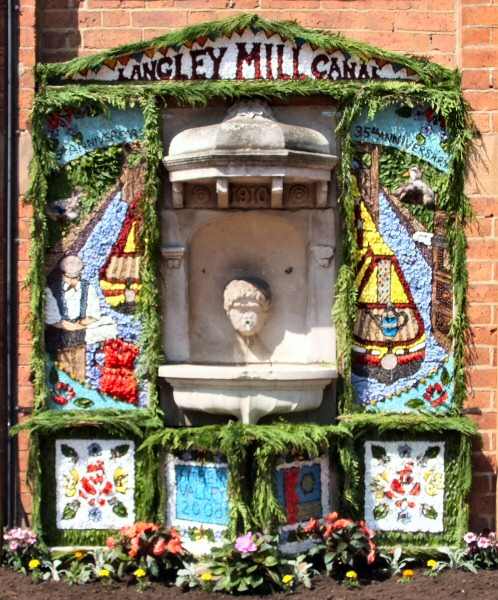 Ripley 2008 - Town Hall Well Dressing