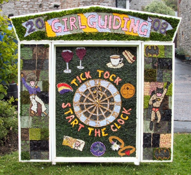 Tideswell 2008 - Brownies & Guides Well Dressing