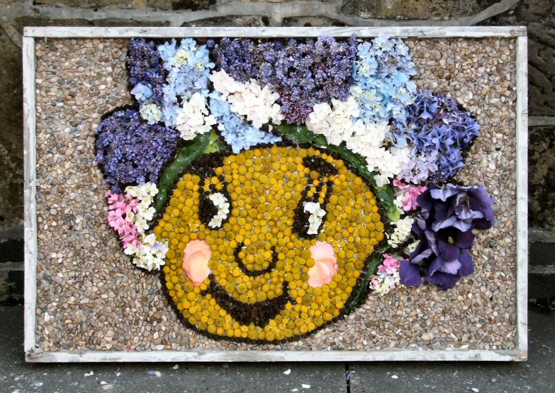 West Hallam 2008 - Village Pre-School Well Dressing