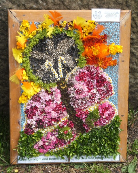Whaley Bridge 2008 - Additional Well Dressing at Canal Basin (Good News)