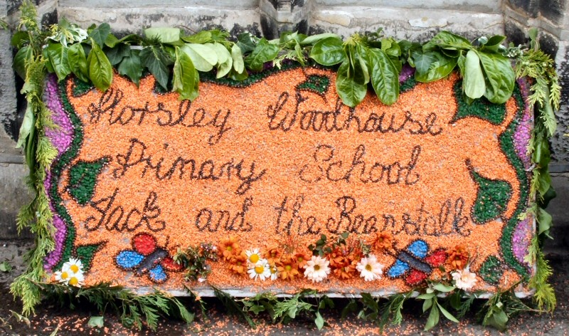 Horsley Woodhouse 2009 - Primary School Well Dressing (2)