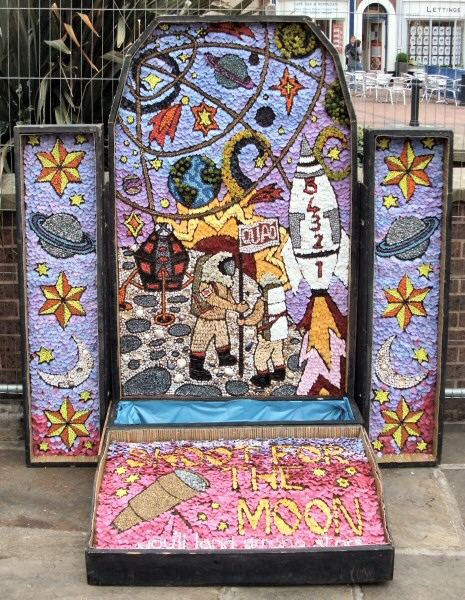 Derby 2009 - Market Place Well Dressing