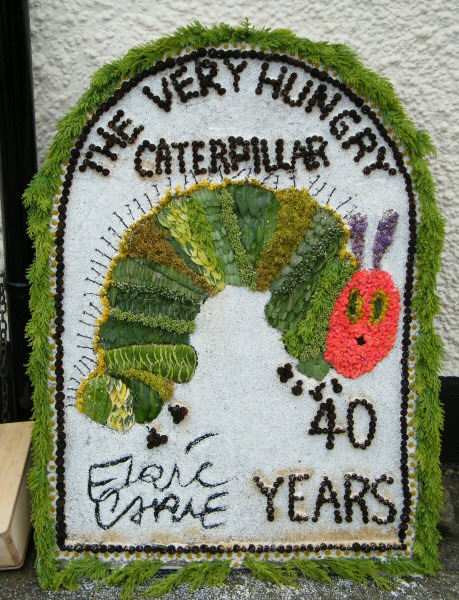 West Hallam 2009 - Charlotte & Friends Well Dressing