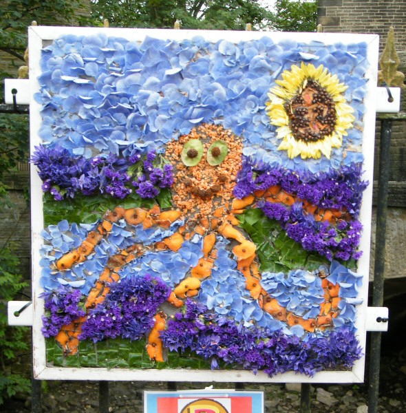 Hayfield 2009 - Beavers Well Dressing