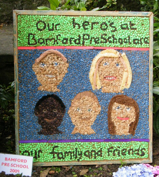 Bamford 2009 - Pre-School Well Dressing