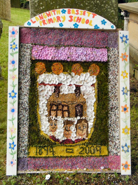 Upper Langwith 2009 - Langwith Bassett Primary School Well Dressing