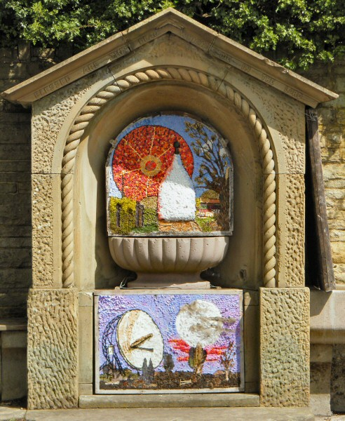 Bollington 2009 - Greg Fountain Well Dressing