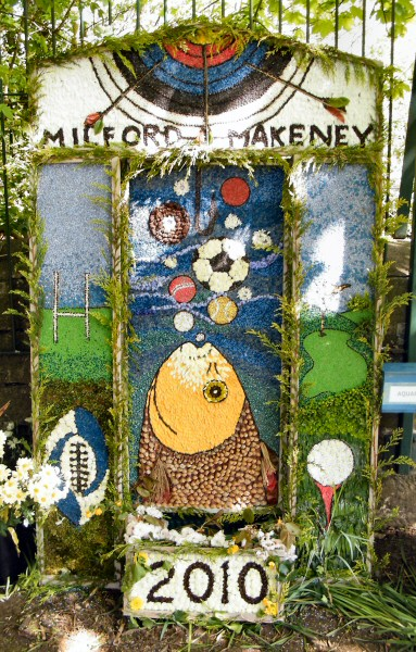 Milford 2010 - The Community and Milford Primary School Well Dressing