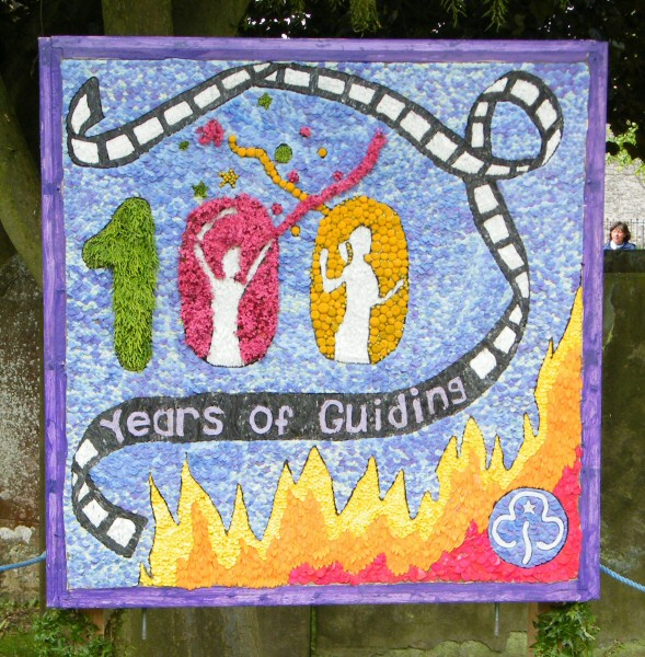 Youlgrave 2010 - Guides' Well Dressing