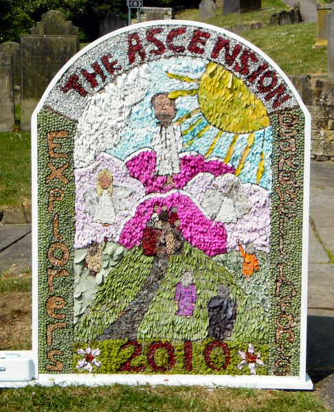 Bakewell 2010 - Explorers' Well Dressing