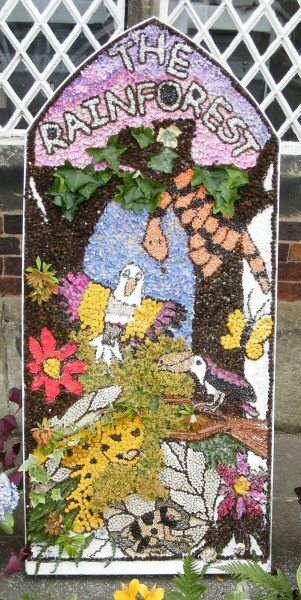 West Hallam 2010 - Scargill School Well Dressing