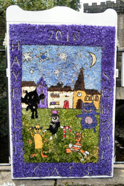 Hayfield 2010 - Hayfield School Well Dressing