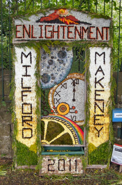 Milford 2011 - The Community and Milford Primary School Well Dressing