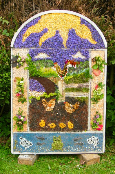 Brackenfield 2011 - Wessington School Well Dressing