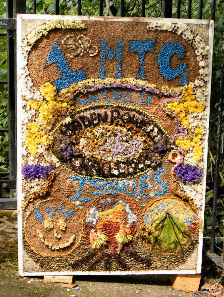 Mickle Trafford 2011 - Guides Well Dressing