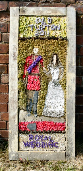 Old Tupton 2011 - Royal Oak Well Dressing