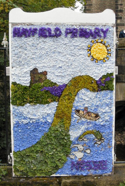 Hayfield 2011 - Hayfield Primary School Well Dressing