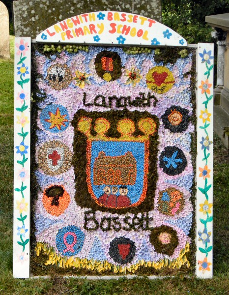 Upper Langwith 2011 - Langwith Bassett Primary School Well Dressing