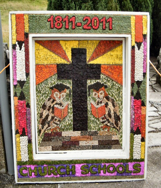 Hartington 2011 - School Well Dressing