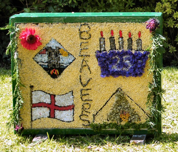 Belper 2011 - Alton Manor Scout Group Well Dressing (3)