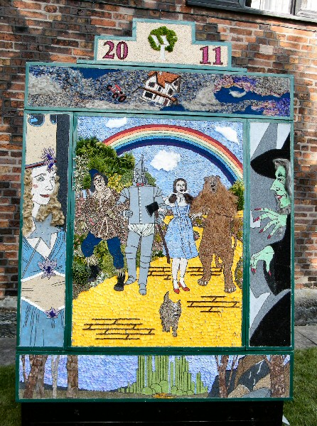 Aston-upon-Trent 2011 - Women's Institute Well Dressing