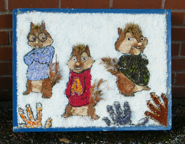 Aston-upon-Trent 2011 - Scouts' & Guides' Well Dressing (3)