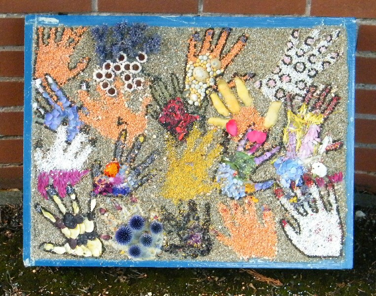 Aston-upon-Trent 2011 - Scouts' & Guides' Well Dressing (2)