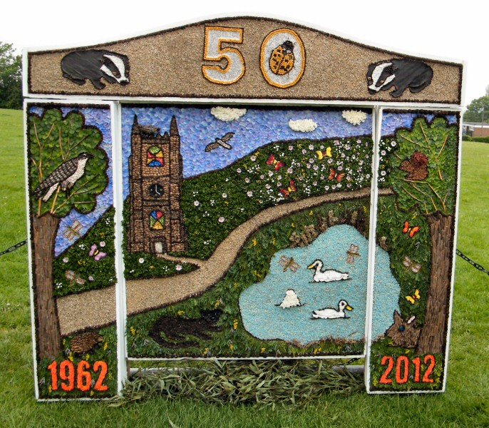 Etwall 2012 - Brownies Well Dressing