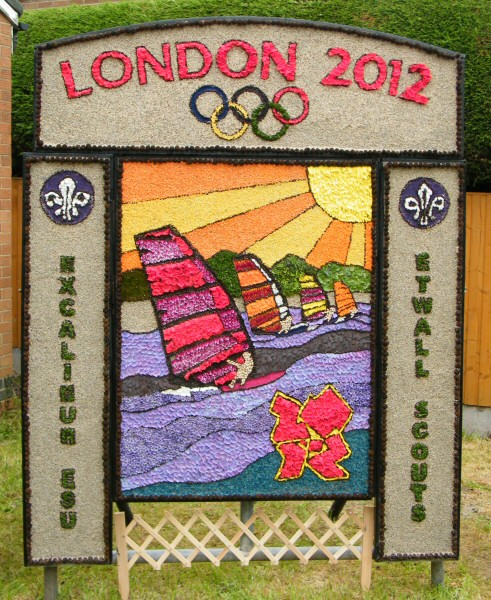 Etwall 2012 - Scouts Well Dressing