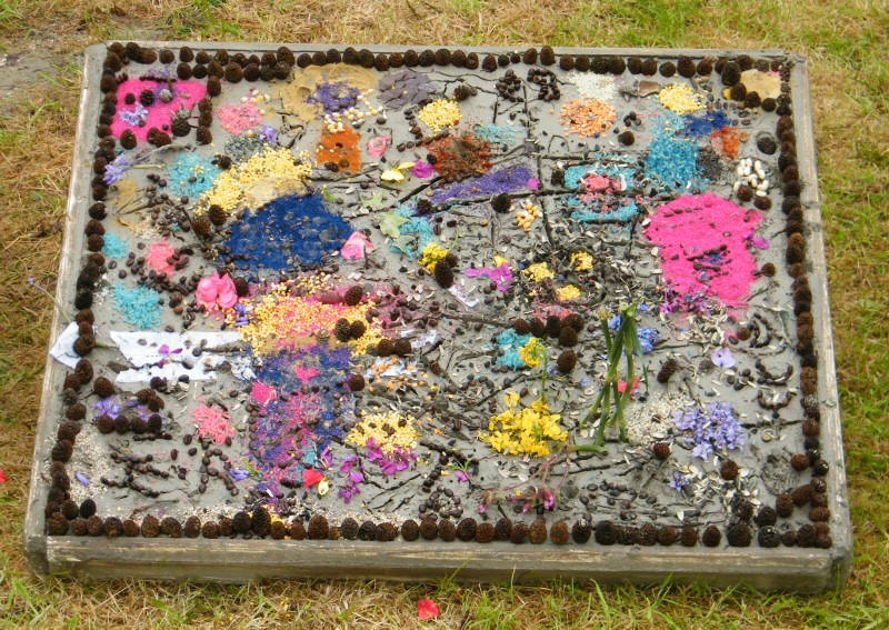 Etwall 2012 - Beavers Well Dressing