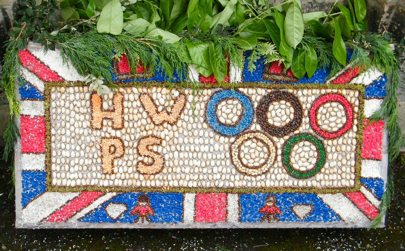 Horsley Woodhouse 2012 - Primary School Well Dressing (2)