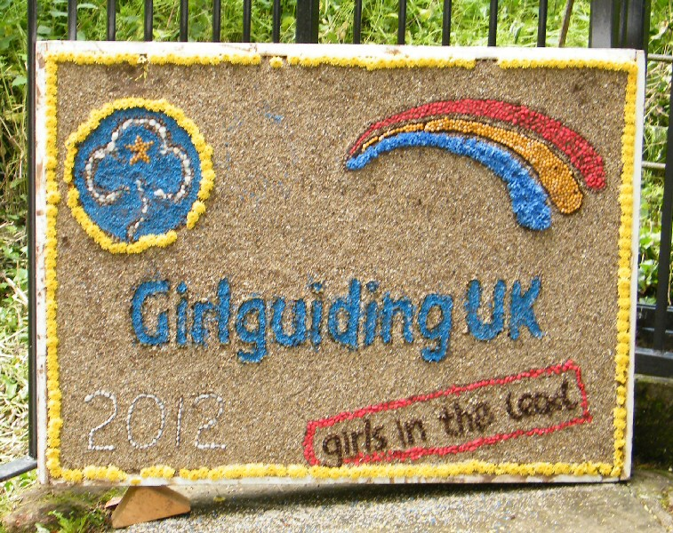 Mickle Trafford 2012 - Girl Guides Well Dressing
