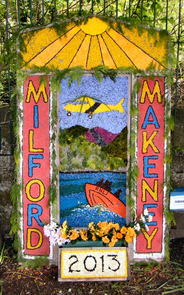 Milford 2013 - The Community and Milford Primary School Well Dressing