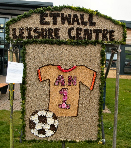 Etwall 2013 - Leisure Centre Well Dressing