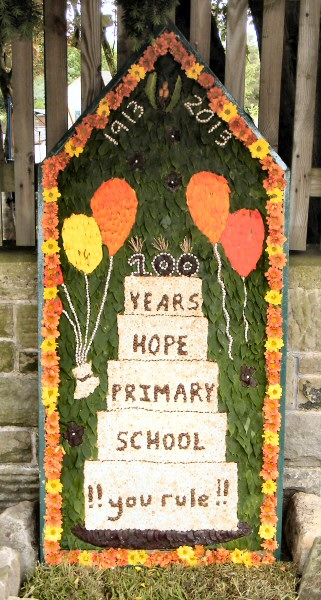 Hope 2013 - Hope Primary School Well Dressing