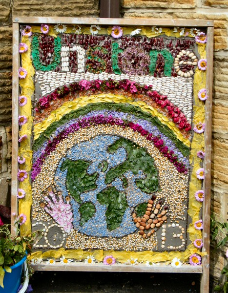 Unstone 2013 - St Mary's Infant School Well Dressing