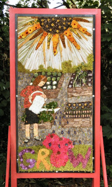 Cutthorpe 2013 - Primary School Well Dressing
