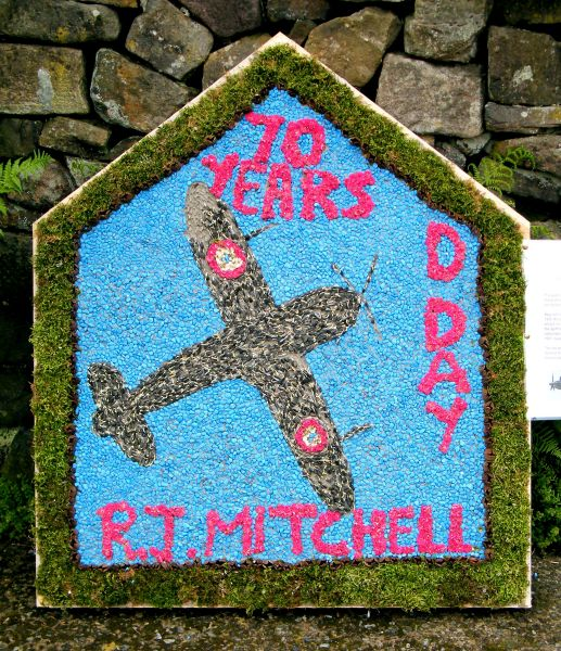 Endon 2014 - Endon Hall Primary School Well Dressing