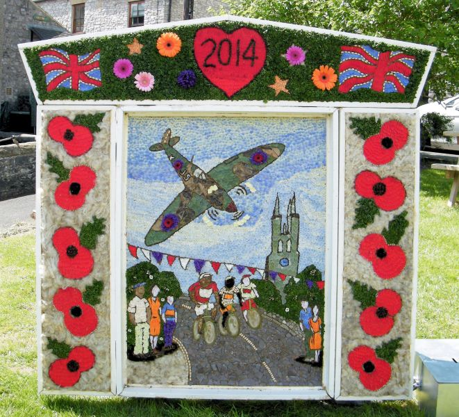 Tideswell 2014 - Community Well Dressing