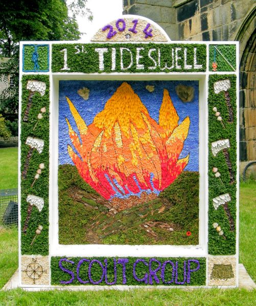 Tideswell 2014 - Scouts Well Dressing