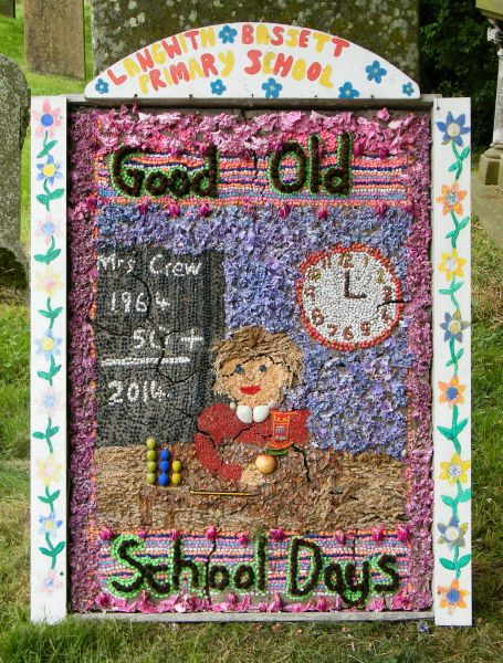 Upper Langwith 2014 - Langwith Bassett Primary School Well Dressing