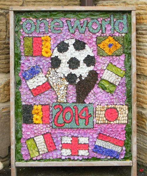 Unstone 2014 - St Mary's Infant School Well Dressing