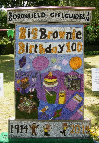 Dronfield Woodhouse 2014 - Brownies & Guides Well Dressing