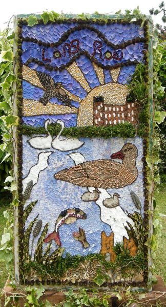 Belper 2014 - Long Row Primary School Well Dressing (1)